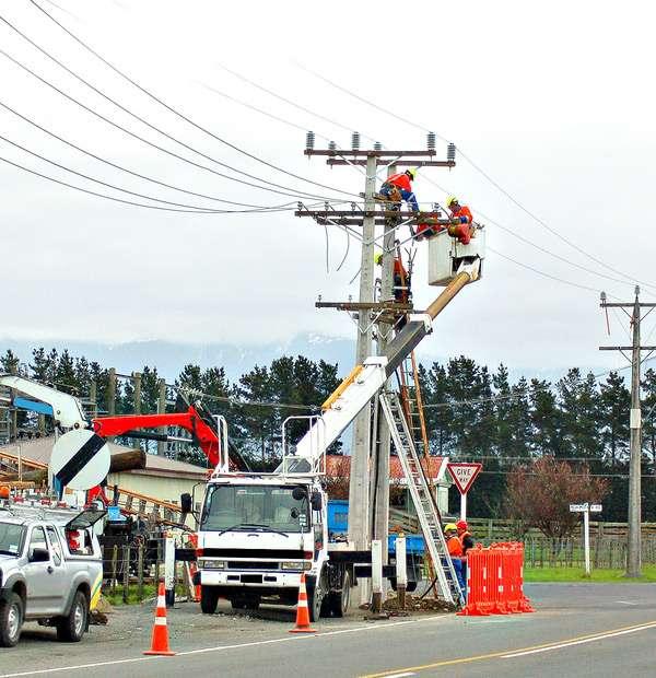 by industry 5 - ردیاب خودرو ناوگان اکیپ برق رسانی و حوادث برق